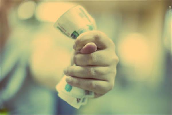 Стоит ли должнику становиться банкротом?